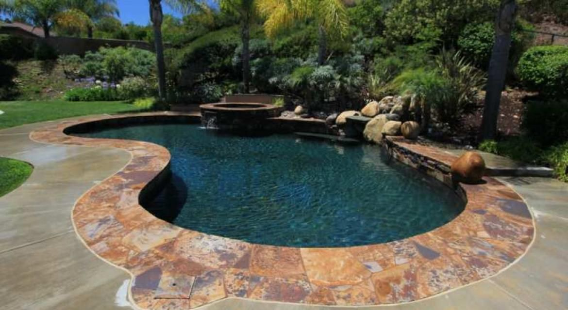 How Much Does A Swimming Pool Cost Swimming Pool Cost Small Backyard Pools Kidney Shaped Pool