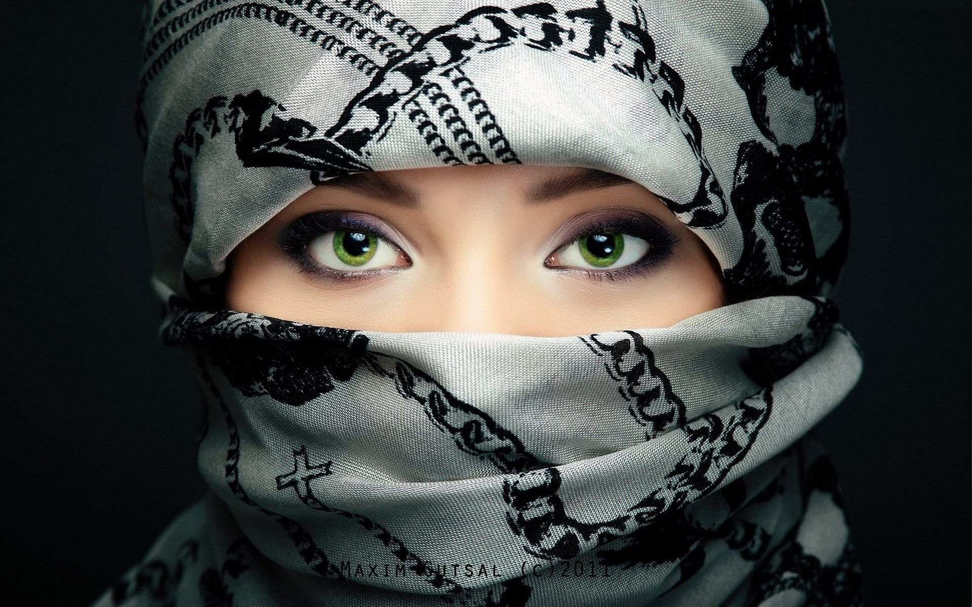 Green Eyes Muslim Girl Wallpaper In High Resolution Free Download
