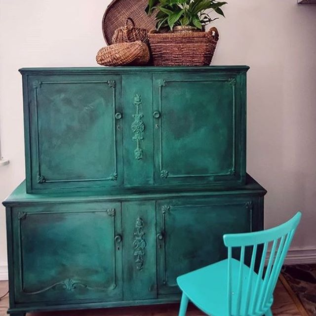 Chalk Paint Kitchen Cabinets Durability: Dark Chalk Paint® Wax