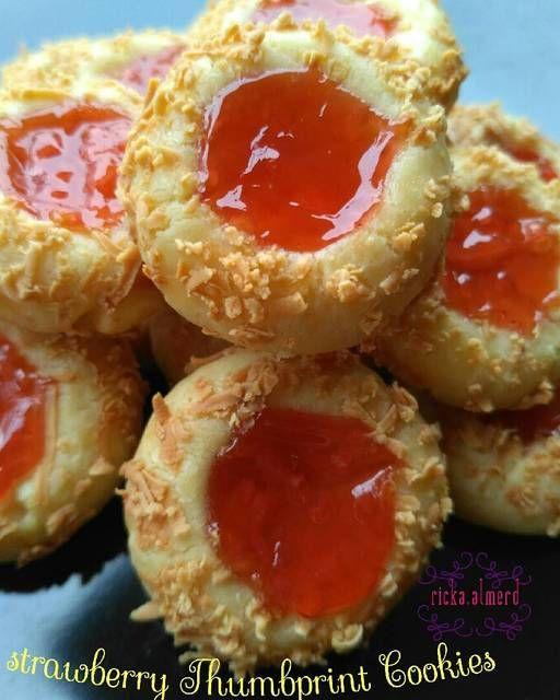 Resep Strawberry Thumbprint Cookies Makanan Ringan Manis Kue Kering Makanan