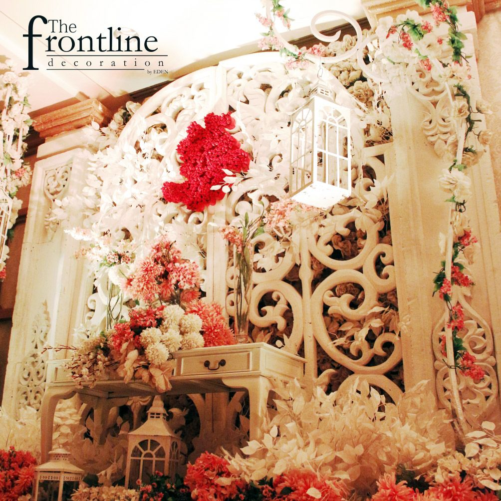 The wedding of darius angela jw marriott surabaya decorated by the wedding of darius angela jw marriott surabaya decorated by eden decoration junglespirit Images