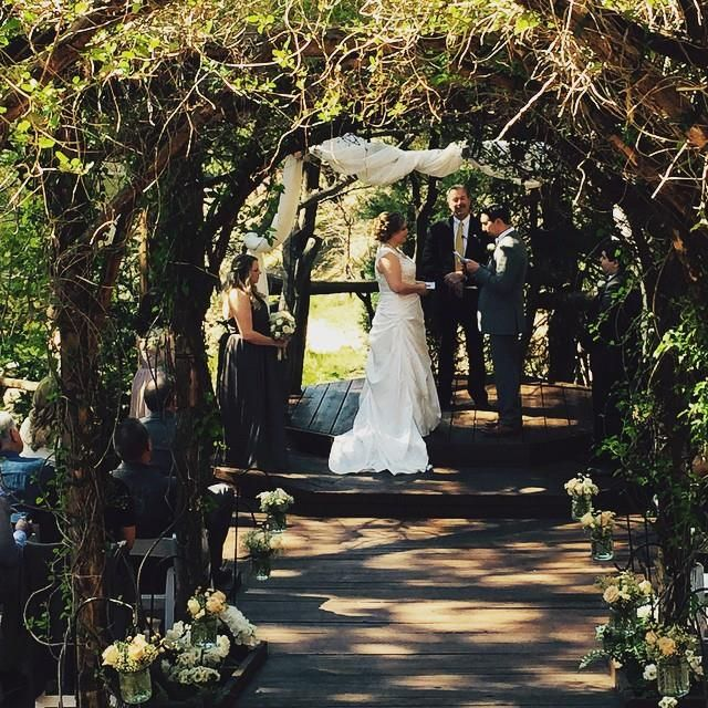 Arrowhead Pine Rose Weddings Is A Rustic Private Outdoor Forest Wedding Venue Nestled In Tall Pines Surrounded By Streams Plus 20 Cabins For Lodging