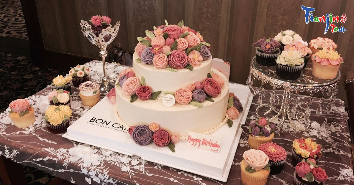 Flowers Bloom On The Cake Delicious And Beautiful Are You Willing To Bite It Now Go To Bon Cake To Have A Taste Address Iset Dessert Shop Cake Delicious