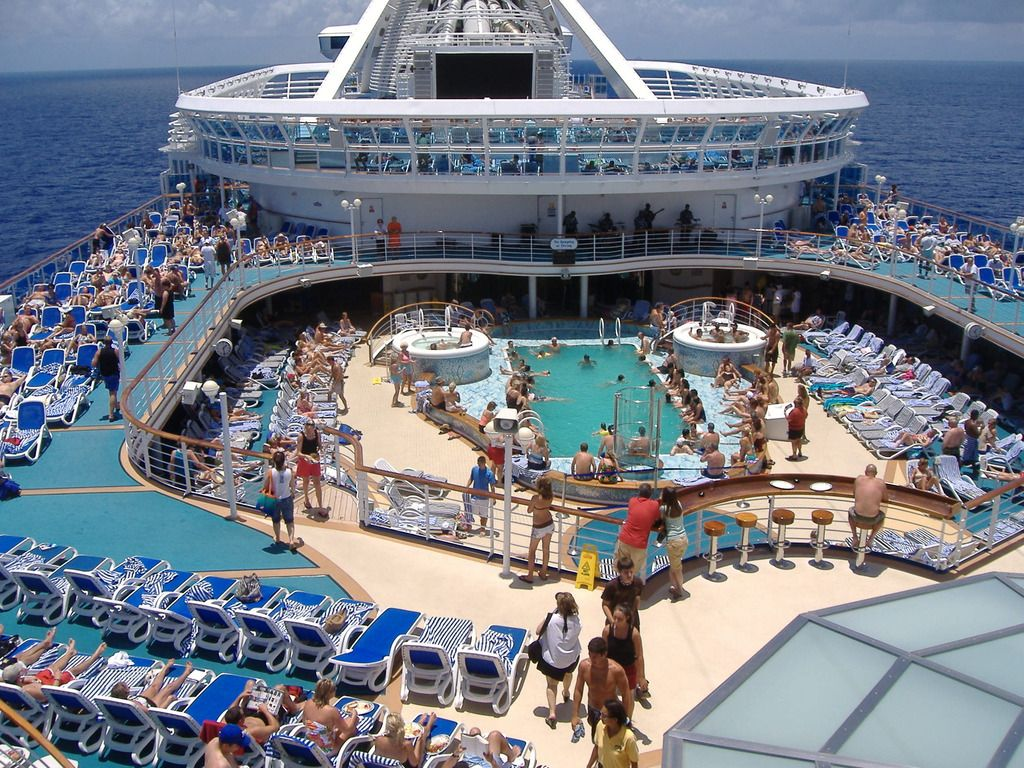 Norwegian Jewel Pool Deck 2014 Cruise Belize Roatan