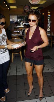 f9bdafe8e997 Pin de nicollette mccrea en Britney Spears