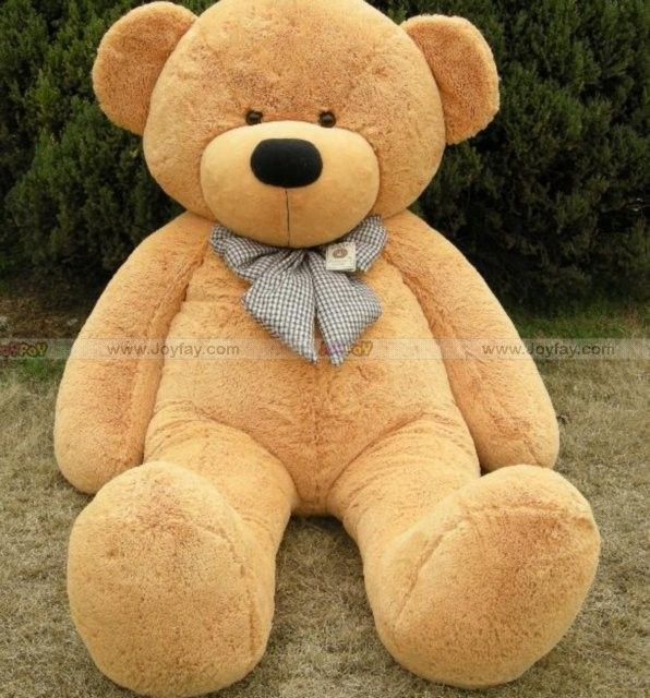 6.5 ft bear (alllways wanted one)  (in darker color though)