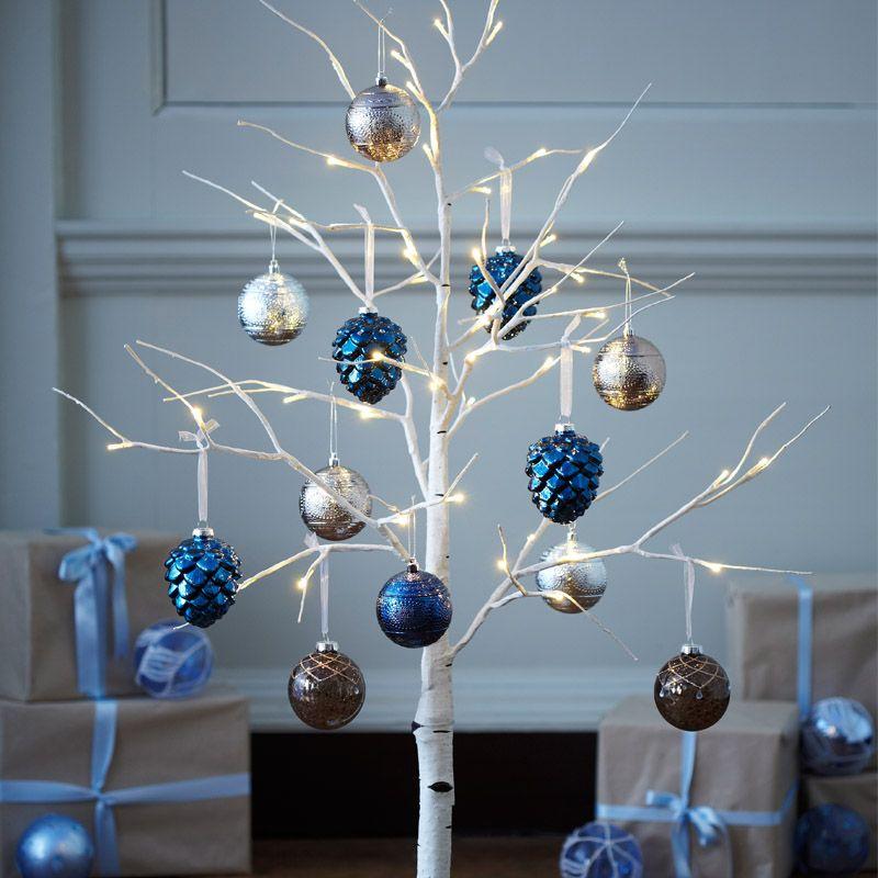 Dobbies - Silver Birch LED Tree 120cm