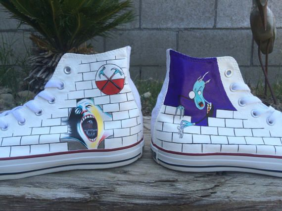 2converse the wall