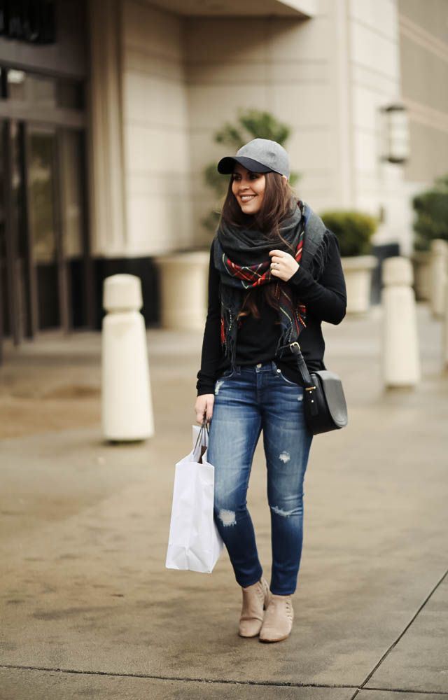 63716d5ef7 Dress corilynn. Black sweater+ripped denim+beige ankle boots+plaid  scarf+black crossbody+black and grey cap. Fall Casual Outfit 2016