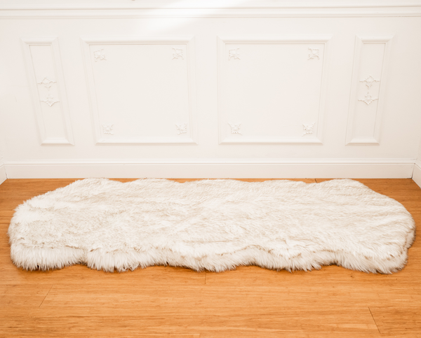 PupRug™ Runner Faux Fur Memory Foam Dog Bed Curve White