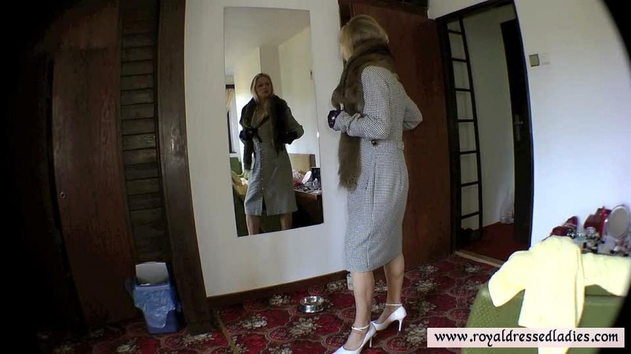 pussy blizzard glamorous fashion retro lady fully clothed let`s have