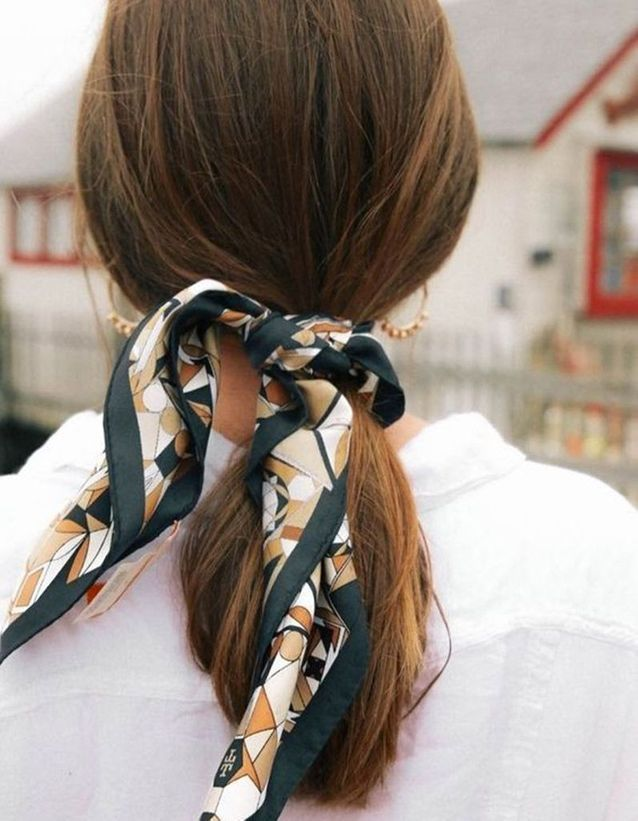 Coiffure avec un foulard chic