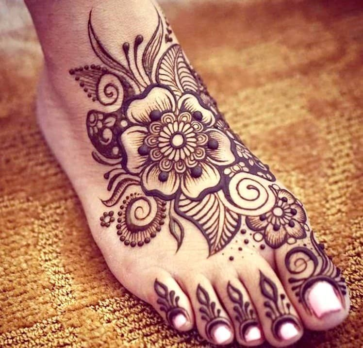 Top 111 Evergreen And Simple Mehndi Designs For Legs Foot Legs Mehndi Design Henna Designs Feet Henna Tattoo Designs