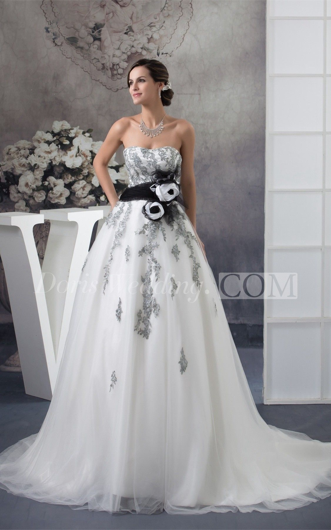 Sleeveless Appliqued Tulle Overlay And Ball Gown Black And White