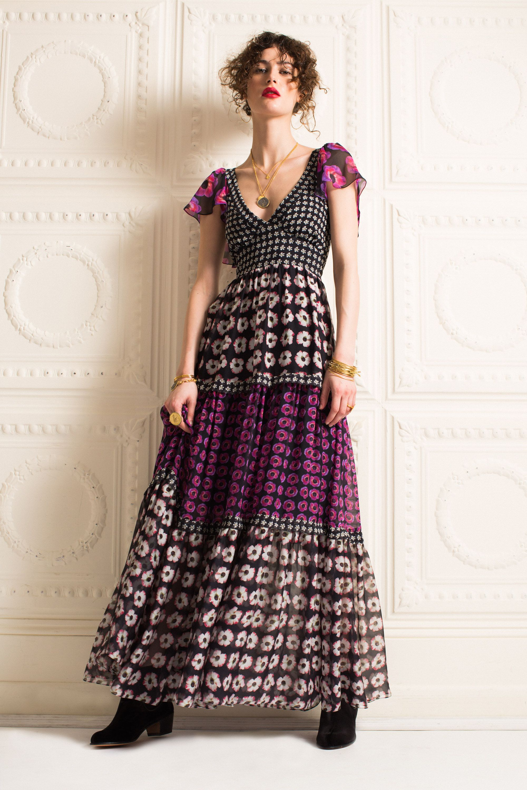 Temperley London Pre-Fall 2016 Fashion Show  http://www.vogue.com/fashion-shows/pre-fall-2016/temperley-london/slideshow/collection#14