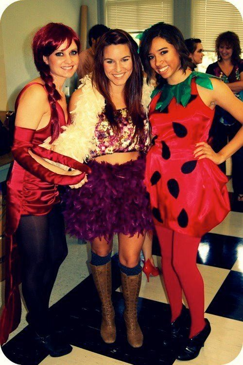 Have you found your Halloween costume yet? (40 photos) Strawberry - food halloween costume ideas