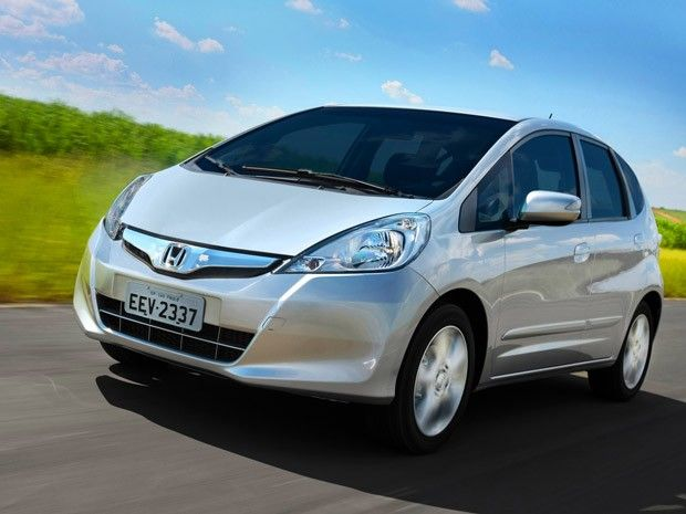 2013 Honda Fit EV Side In Motion Photo 10