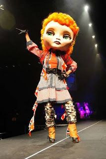 Giant Handmade Blythe Doll Heads You Can Wear- Just Amazing