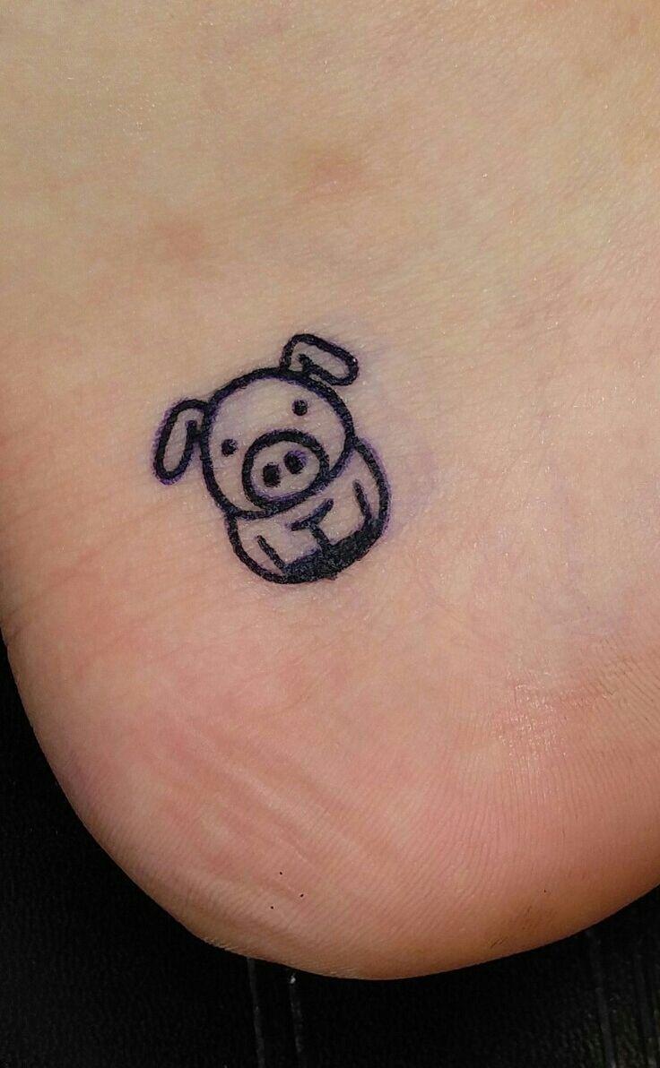 My new tattoo cartoon pig. #tattoo #pig #piggy #tatt # ...