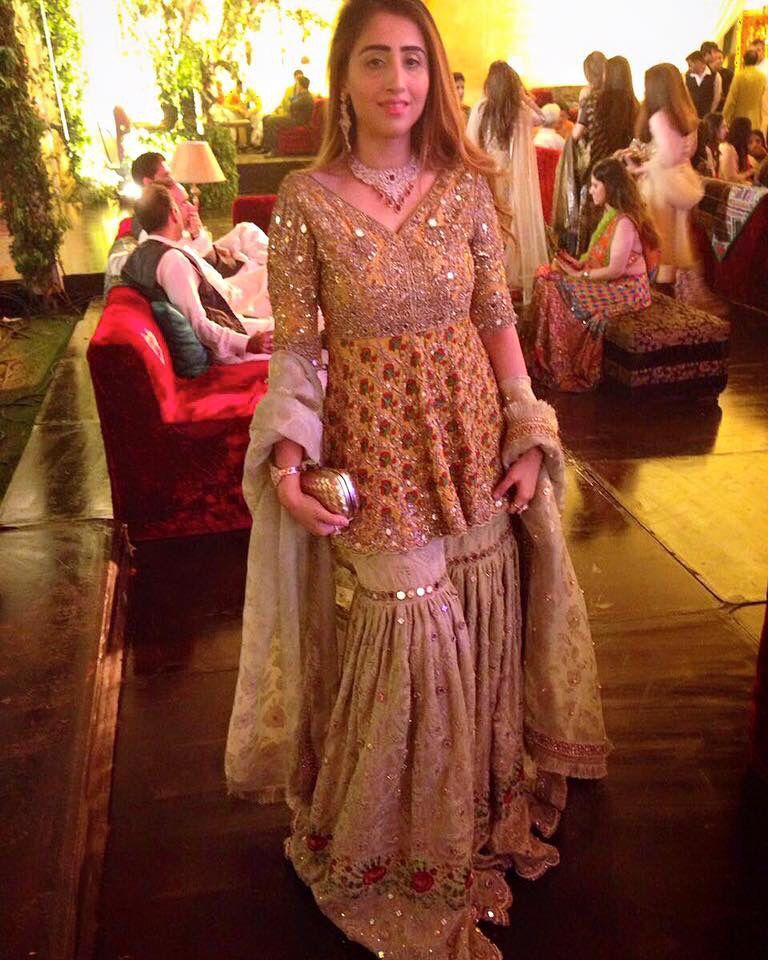 This Suffuse Outfit Pakistani Mehndi Brides Pakistani