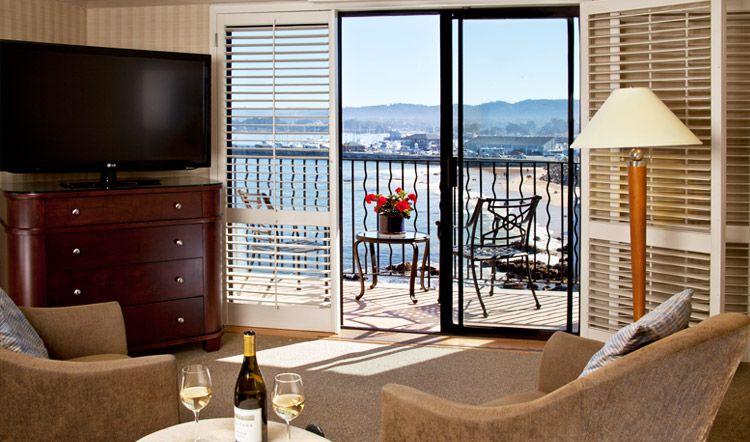 Ocean Harbour View Room At Monterey Bay Inn California Hotel