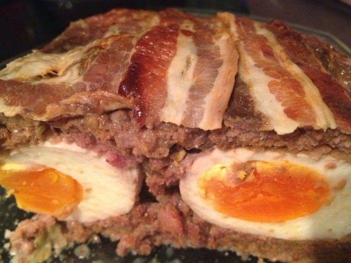 Gehaktbrood uit de oven. Groot succes door de verstopte eieren.