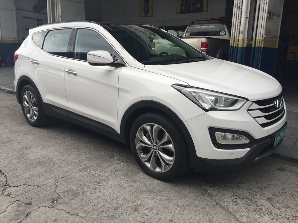 For Sale 2014 Hyundai Santa Fe 2.2L 4x2 ReVGT Automatic