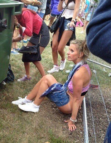 Ladyboy masturbating with girl pictures