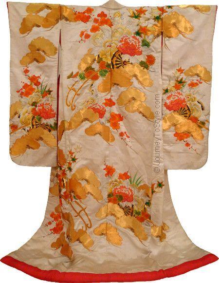 Japanese Wedding Kimono Uchikake Golden Pines Hanaguruma Jpg 450 581 Pixels Japanese Embroidery Japanese Textiles Embroidery Kimono
