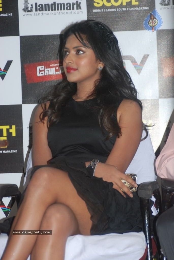 Amala Paul Hot Thighs Show @ Southscoope Magazine Launch ...