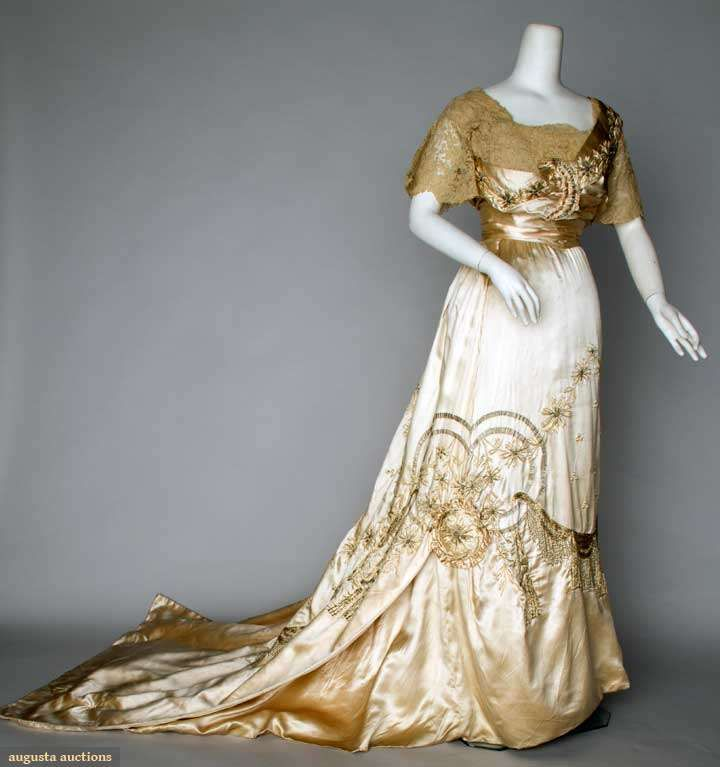 EMBROIDERED PRESENTATION GOWN, c. 1912