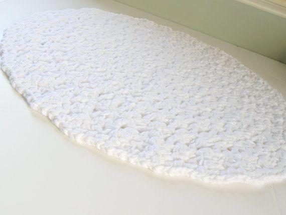 White Cotton Bath Rug Round Thick Doily Designed Bath Mat Etsy White Bath Rugs Round Bathroom Rugs Cotton Bath Rug