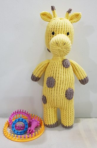Loom Knit Super Giraffe