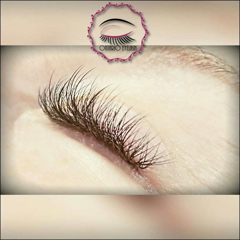Hybrid Set Of Eyelash Extensions Phasing Out Classic Lashes To Just