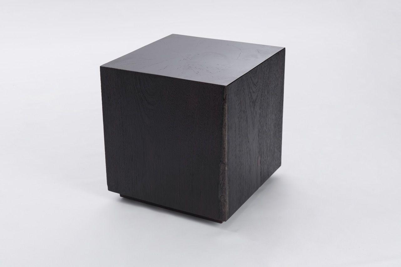 Our Mombacho Cube is perfect to give an unique look to any space. Nuestro Mombacho Cube es perfecto para dar un look unico a cualquier espacio.