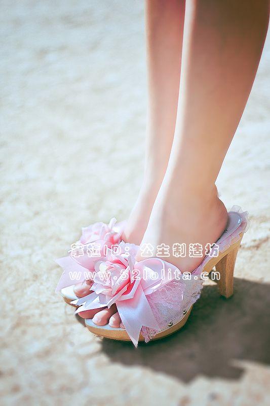 Jesus Diamante replica rose heels. $8
