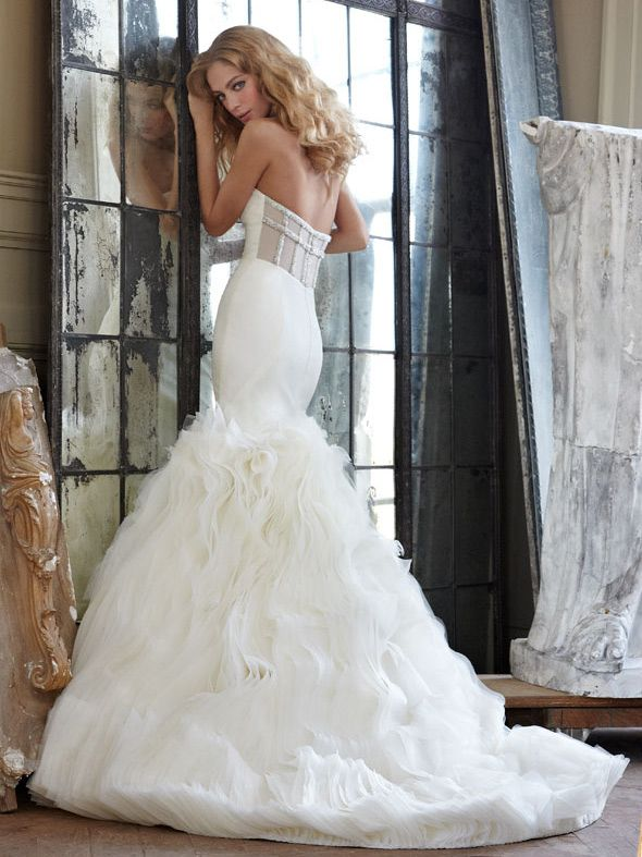 Strapless Fit And Flare Unique Wedding Dress With Organza Manited Skirt