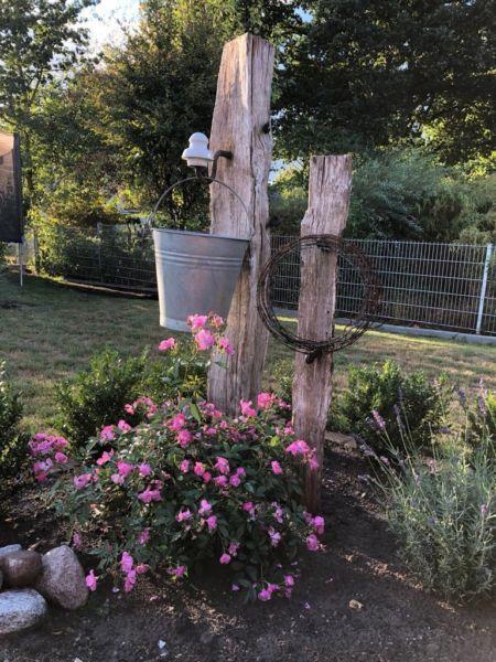 Wir haben noch 2 Weidenpfähle für die Gartendekoration über. Auf dem ersten Bild sehen Sie ein...,Weidenpfähle, Zaunpfähle, Eichenpfähle in Niedersachsen - Beverstedt #backyardmakeover
