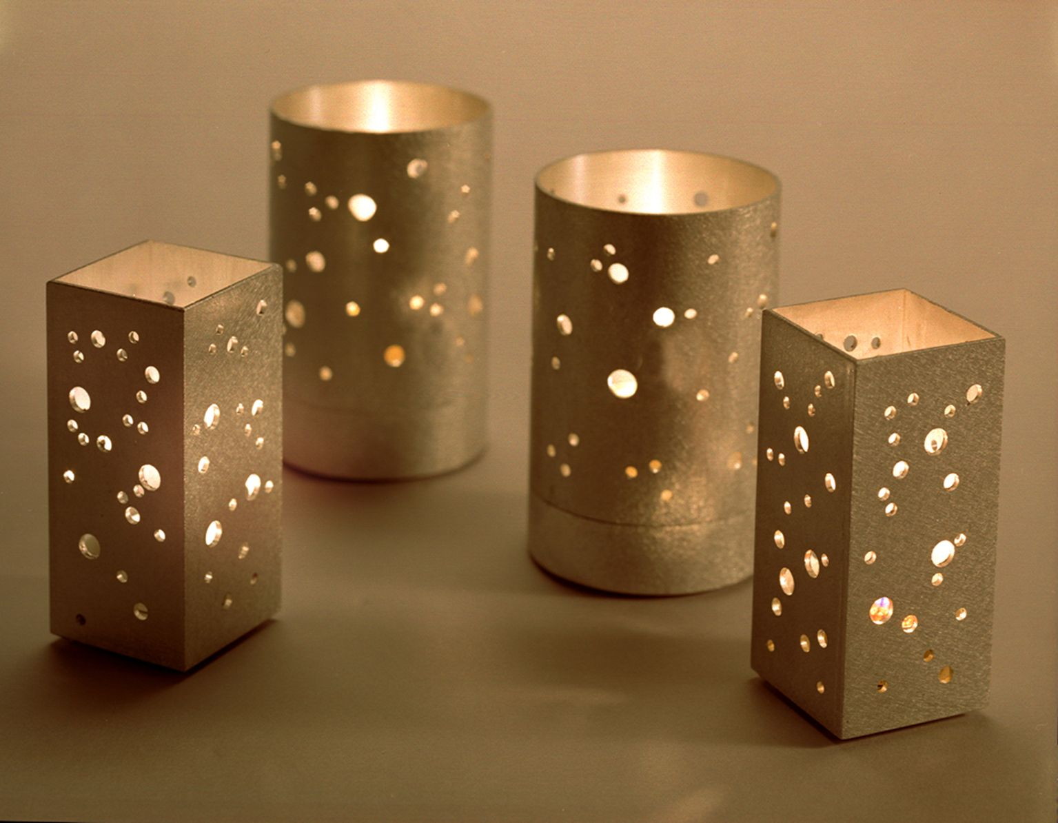 DIY Tin Can Lanterns Hoof Clipart Cachednov Candletins - Cool diy spring candles and candleholders