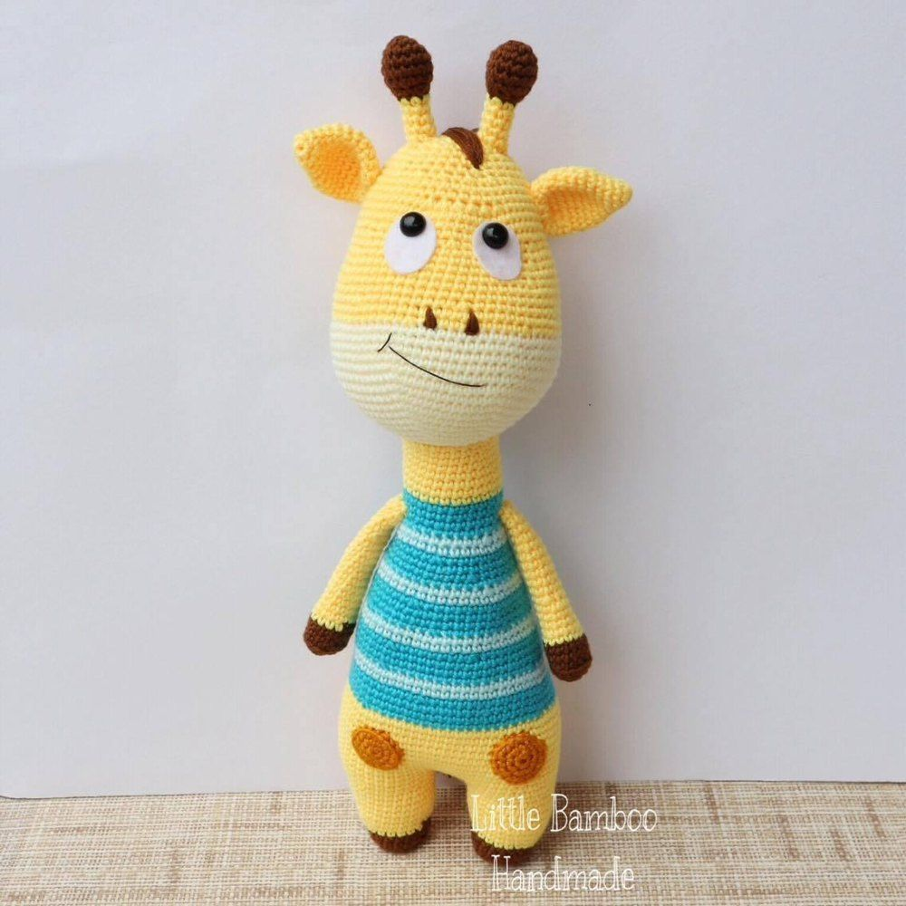 This cute giraffe amigurumi is the perfect friend for your child, a ...