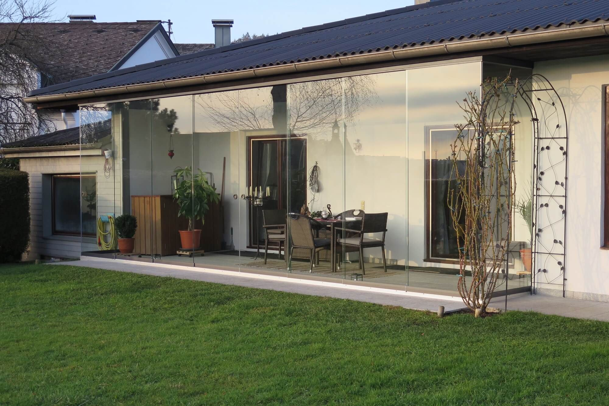 erfahre mehr ber unsere schiebeverglasungen f r balkon. Black Bedroom Furniture Sets. Home Design Ideas