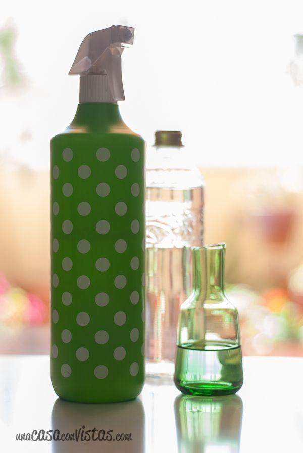 La receta es bien sencilla llen is un bote de spray de agua pod is comprarlo en cualquier todo - Limpia cristales casero ...