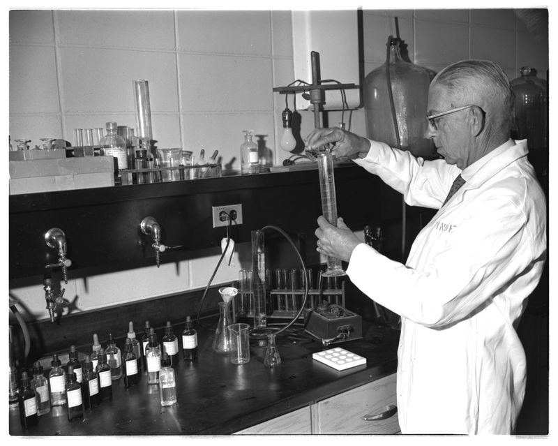 Scientists in Lab for Horticulture Brochure. Hargrett