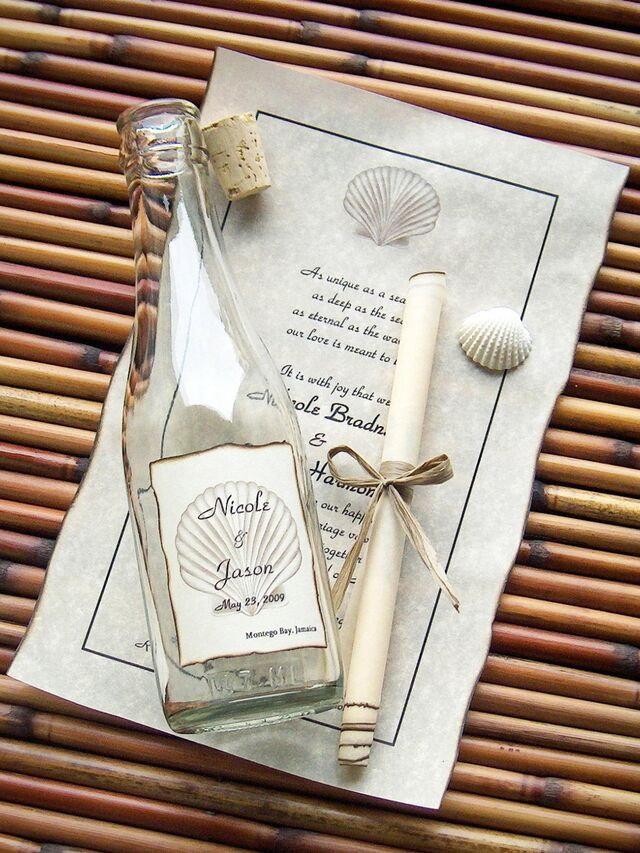 21 Unique Wedding Invitations That'll Stand Out In The