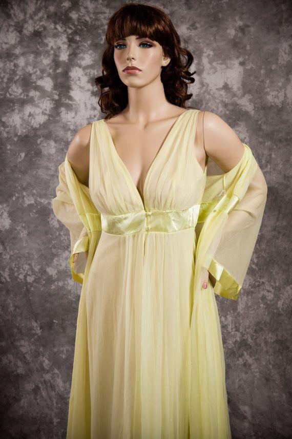 4ae599b54f264 Vintage Gossard Artemis Nightgown & Peignoir Set by MarvelsVintage ...