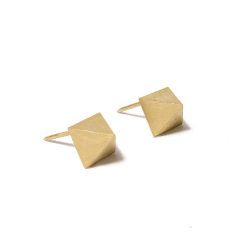 FEMME collection golden earings by YAMA  gold | 14k | jewlery design | luxury | highend | weddings | bridres |
