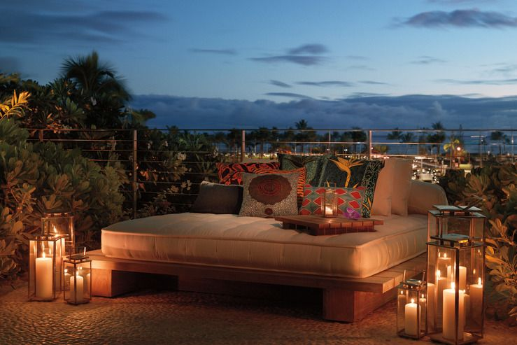 Delicious Outdoor Bed At The Modern Honolulu Www Hotelarista