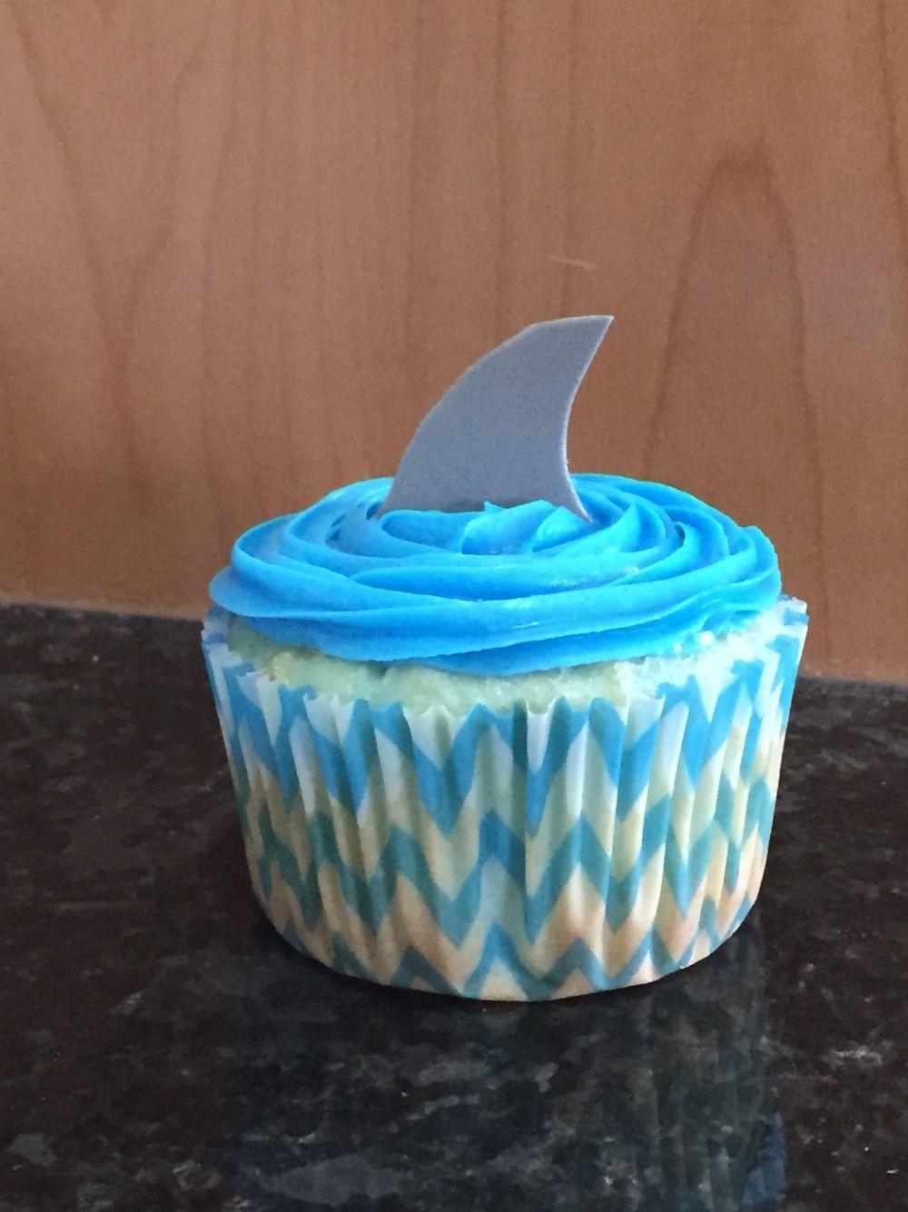 Shark fin cupcake  Shark cupcake