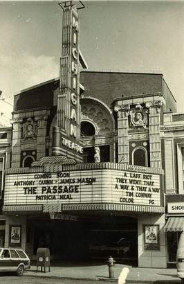 Michigan Theater Lansing Mi With Images Lansing Michigan