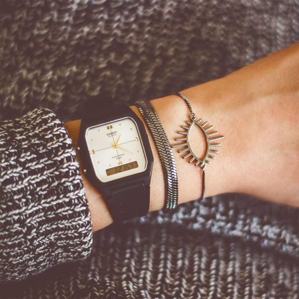 90973d94e Relógio Casio Vintage Analógico Borracha Prateado • Laços de Filó -  lacosdefilo